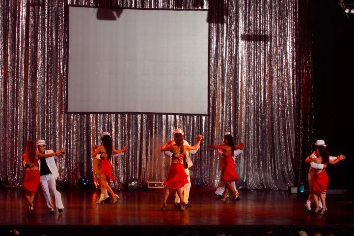 Salsa alumnos Mora Noel Sanchez teatro astral